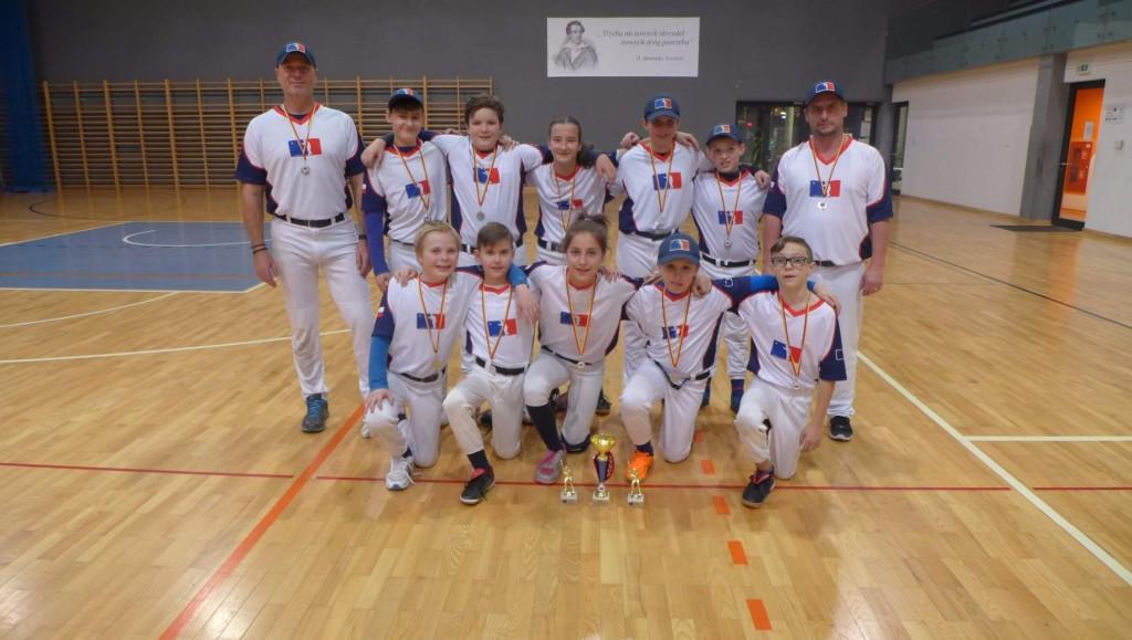 Wroclaw Baseball Cup   Waynes s medailí   fototo