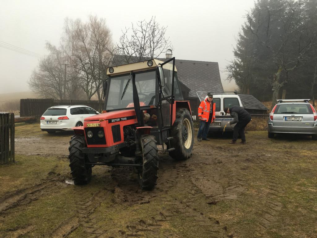 Blatiny 2018 | pan domácí traktoruje zDEndu | fototo Helča
